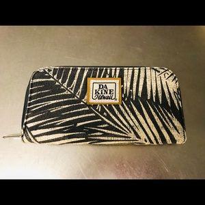 Palm frond print Dakine Hawaii wallet
